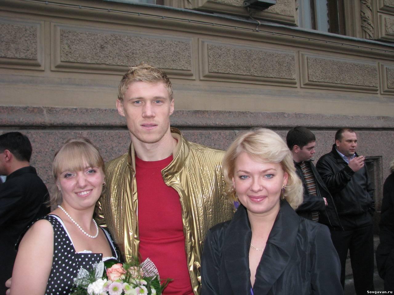 Погребняк с женой фото свадьба